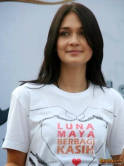 luna-maya-foto