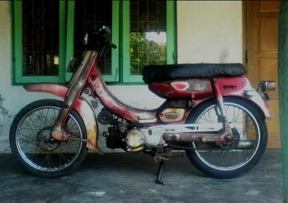 Sepeda Motor Butut Honda Astrea 800
