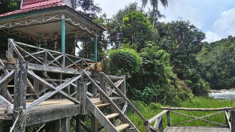 Dermaga Desa Kinipan dan Riam Pangonukng