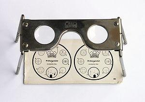 Stereoscope adalah salah satu alat atau instrumen untuk melihat gambar stereogram