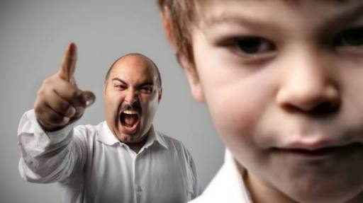 Kekerasan verbal, mengusir anak atau cucu